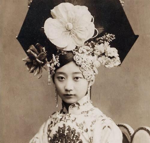 她是婉容表妹,顏值勝明星,活到2003年,因癡戀溥儀終生未嫁