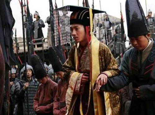 秦朝一武將:熬死了秦始皇、漢高祖,成功當上皇帝,說出來很熟悉