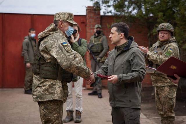 大量坦克集結邊境!俄羅斯做進攻烏克蘭的準備,美軍要挑起大戰?