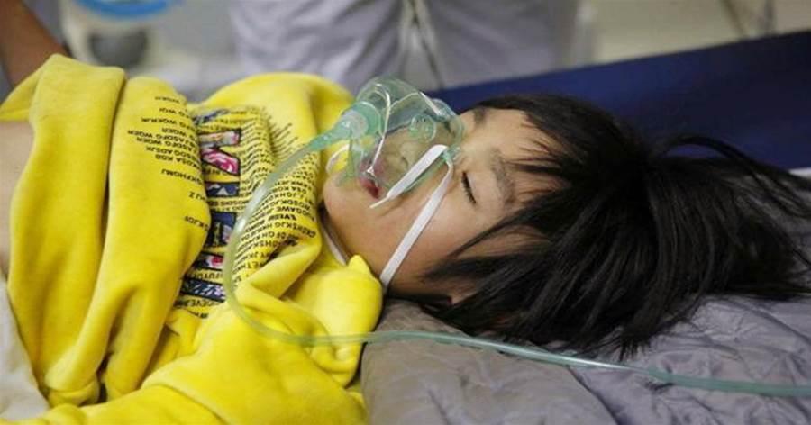 """""""媽媽,我好累,可以睡覺了""""孩子過度勞累在醫院離世,醫生:毫無求生慾望"""