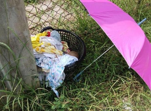 只因难忍婴儿哭闹,残忍父亲捂死婴儿抛弃路边图片
