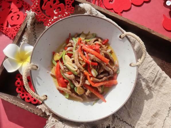 雙椒小炒牛肉:鮮香中透著微辣,太下飯了