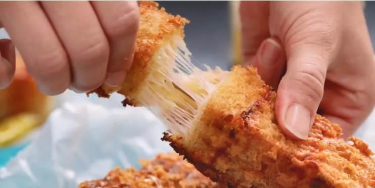 火腿芝士吐司串!這個串串不一般,集齊三種美食,和泡菜一起吃,美滋滋!
