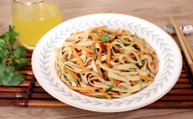 節後多吃這道菜,補鈣促消化,維生素豐富,爽口開胃不油膩
